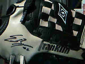 Signed_glove
